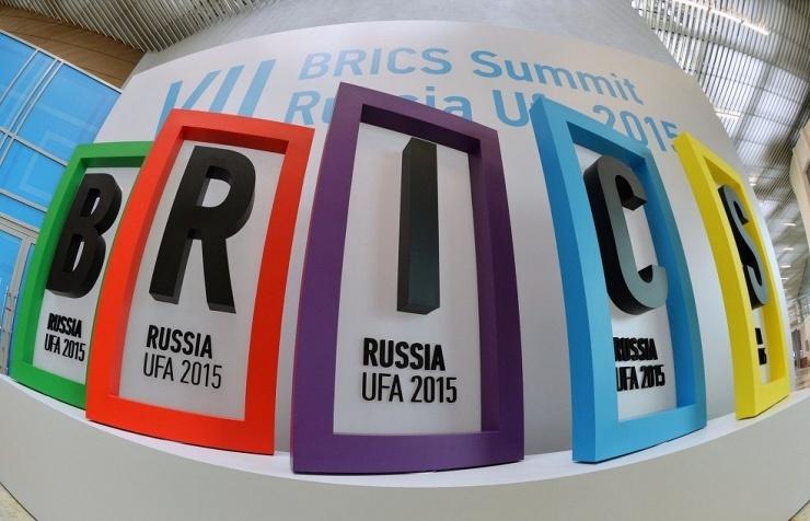 Success of BRICS Bank May Inspire Creation of SCO Bank